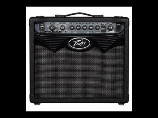 peavey vypyr 15 ampli guitare 15 watts 4 canaux hp 8 guitare occasion. Black Bedroom Furniture Sets. Home Design Ideas