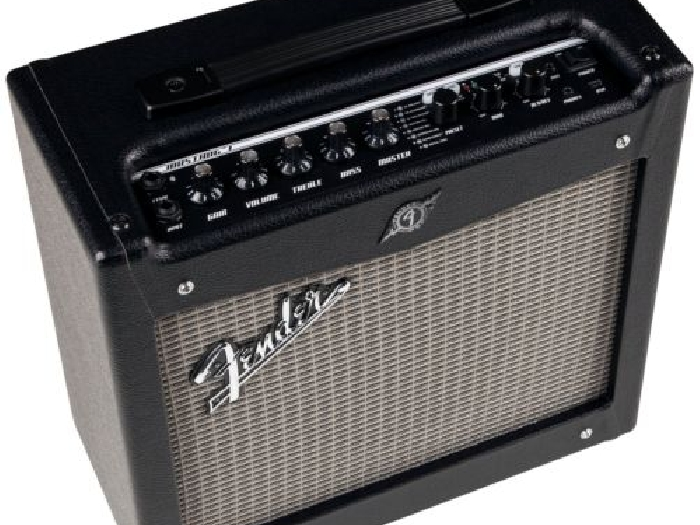 ampli guitare fender mustang 1 v2 guitare occasion. Black Bedroom Furniture Sets. Home Design Ideas