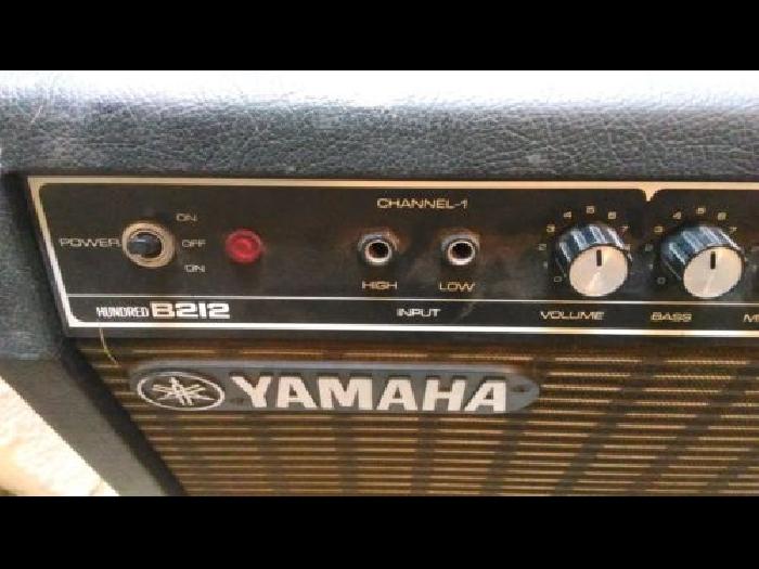ampli guitare 100w yamaha b212 guitare occasion. Black Bedroom Furniture Sets. Home Design Ideas