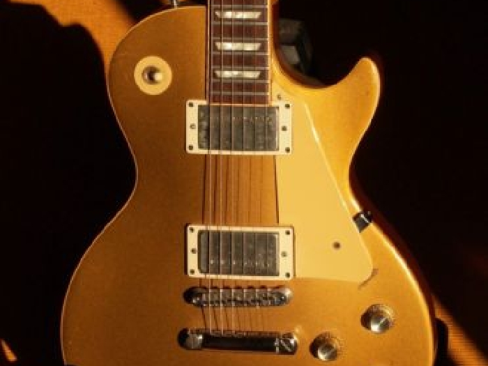 guitare gibson les paul goldtop deluxe vintage 1977. Black Bedroom Furniture Sets. Home Design Ideas