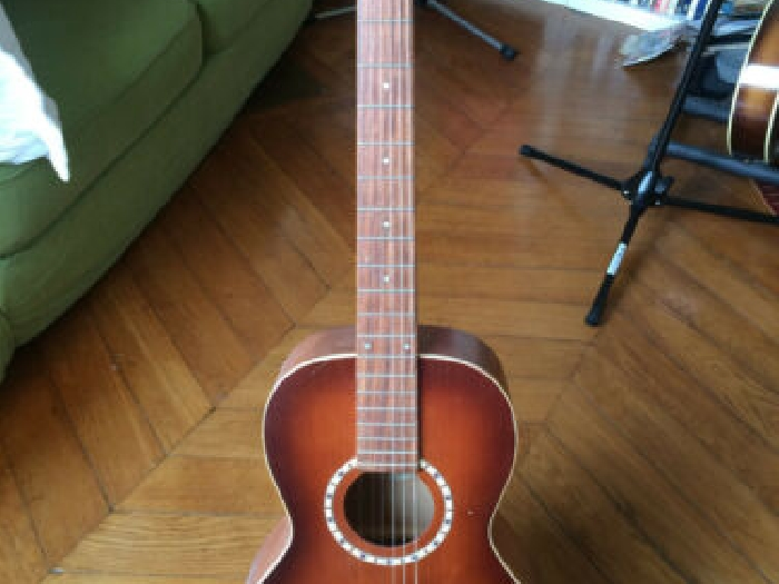 Folk Art et Lutherie (Godin) GAUCHER / modele Ami Cedar Antique Burst 2008