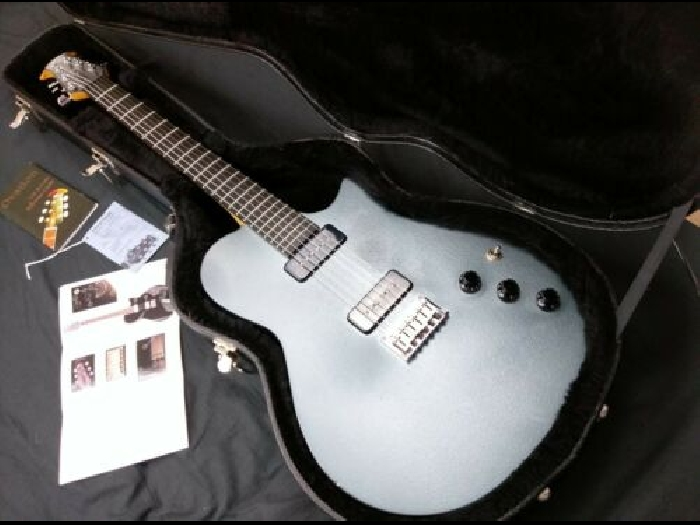Hybrid Guitar OVATION VXT Titanium Silver (Electric AND Electro-acoustic)