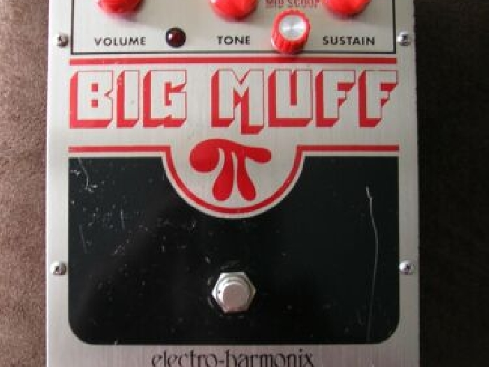 Electro-HarmoniX Big MUFF pedal with RAM'S HEAD ,MID SCOOP CONTROL and many mods