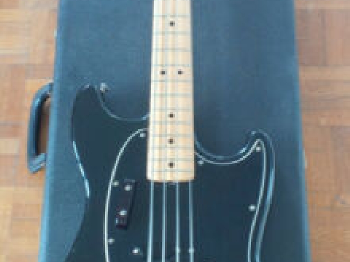 Fender '78 Mustang Bass Black (USA) with Original Hard Case