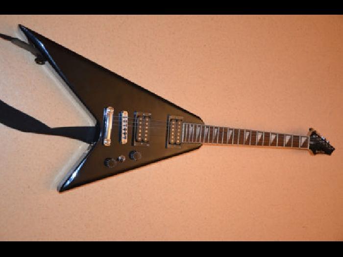 guitare electrique harley benton rock guitare occasion. Black Bedroom Furniture Sets. Home Design Ideas