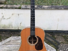 Martin Guitare HD-28 (2005) with flightcase and fishman piezo
