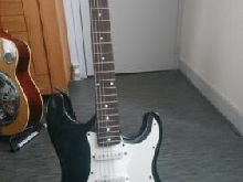 Guitare Electrique type fender stratocaster