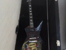 Guitare LAG S2000PC-M50 phil campbell 50th marshall