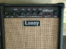 LANEY LA15C AMPLI GUITARE ACOUSTIQUE 15W/2X5