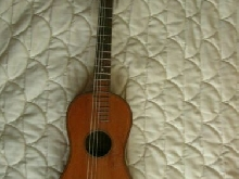 JOLIE GUITARE ANCIENNE SIGNEE ANTIQUE