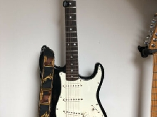 Guitare Fender Squier Stratocaster Japan 1994