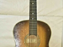 ANCIENNE GUITARE Mirecourt Couesnon Vintage