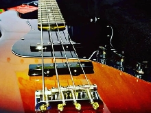 Basse Fender Jazz bass Performer made in USA comme neuve.