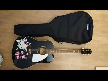 guitare accoustique + housse, Squier by Fender Hello kitty Taille Adulte 4/4