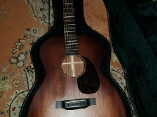 Martin Guitare 00-15E Retro excellent condition, with case