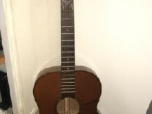 Guitare jazz manouche ancienne