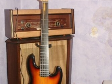 Squier Deluxe Jazz Bass V Active