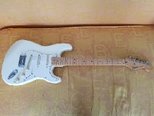 FENDER STRATOCASTER  ( made in Mexico ) 1991