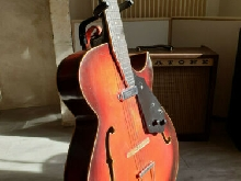 GUITARE ARCHTOP COUESNON FRANCE ANNÉE1962 - GIBSON ES-125 HOFNER GODIN JAZZ