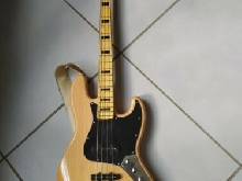 Vends Bass Squier Jazzbass
