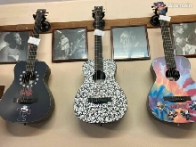 Lot de 3 guitares MARTIN Felix the Cat taille LX