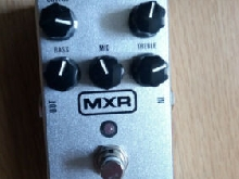 Pédale super badass Distorsion M75  de marque MXR