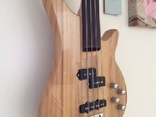 Fretless Bass Solid Body, Bought New Gearformusic No Reserve Amazing Quality