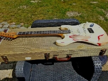 Fender Stratocaster Relic Pin UP custom shop pick ups 65